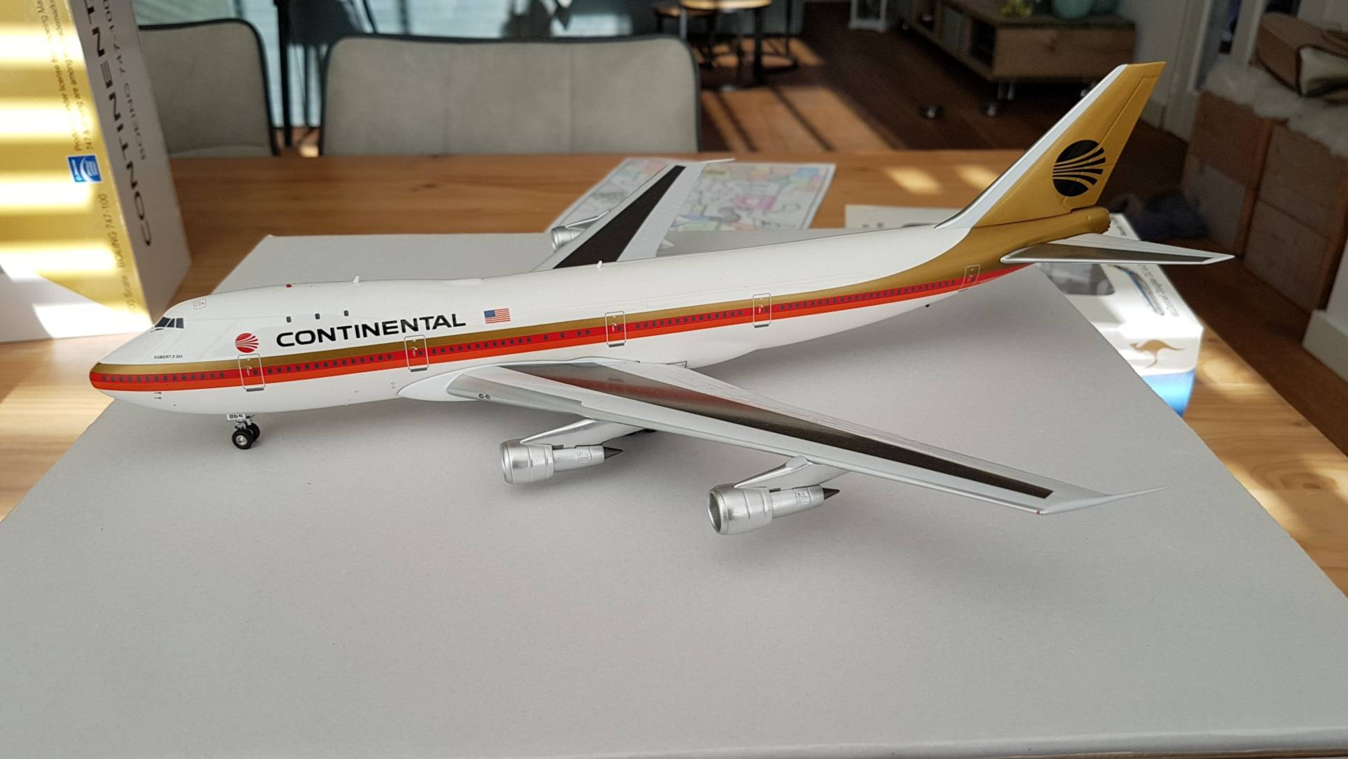 "Inflight200 Boeing 747-100 Continental Meatball ""Black"" €150"