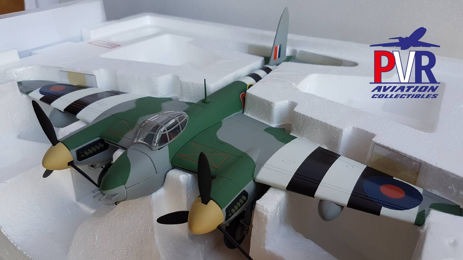Franklin Mint Armour 1/48th B11B655 DH98 Mosquito €99